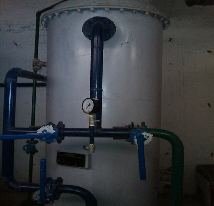 Low%20Capacity%20Sand%20Filter%20Cylinder%20with%20Pressure%20Gauges%20not%20working.jpg