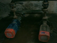 Pumps%20in%20present%20condition%20%28both%20need%20urgent%20replacement%29.jpg